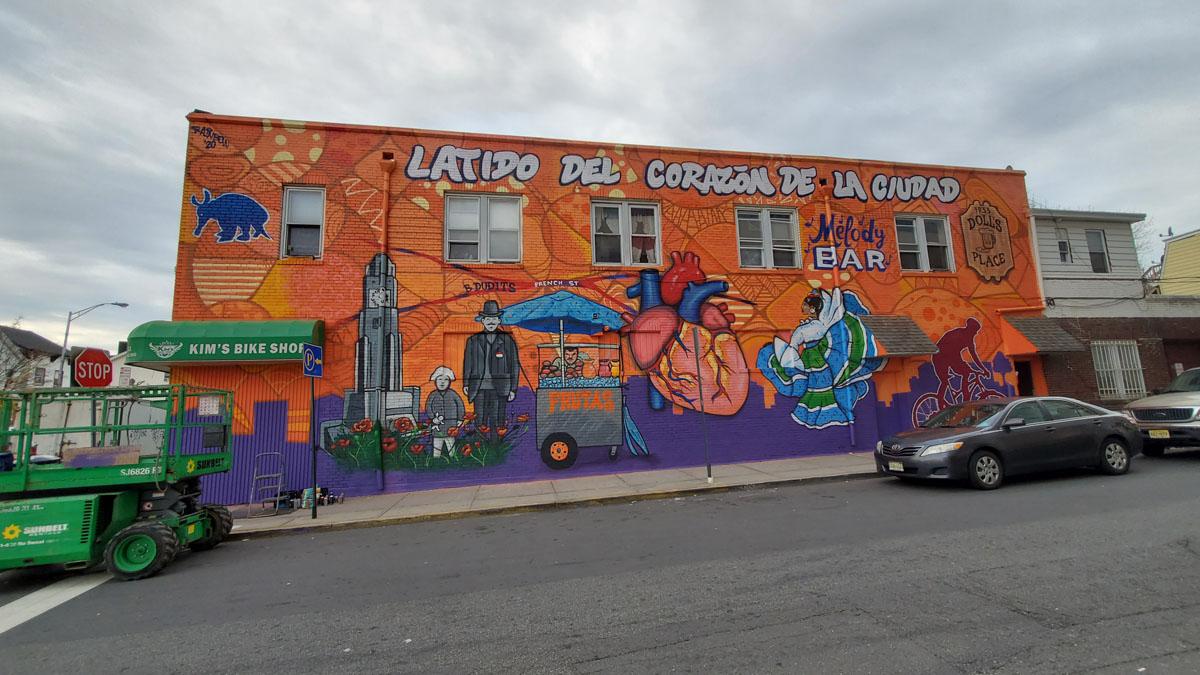 Latido Del Corazon De La Ciudad Mural